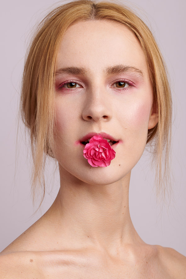 Beauty Spring Editorial Pink Rose kiss